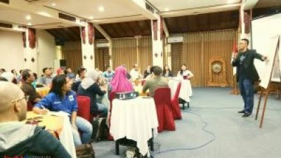 Seminar Motivasi di WWF Indonesia