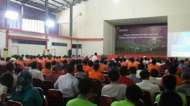 Seminar Motivasi di Holcim Indonesia