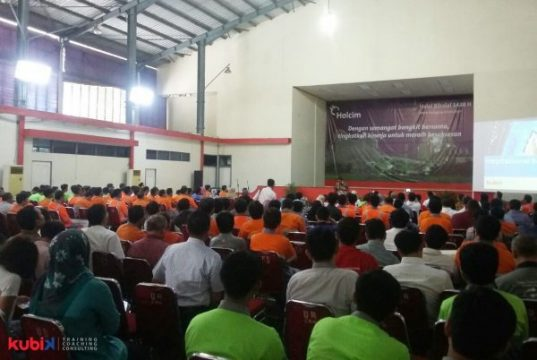 Seminar-Motivasi-di-Holcim-Indonesia.jpeg