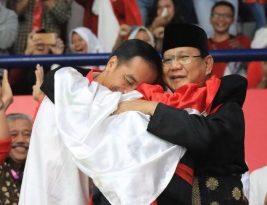Pelukan Jokowi dan Prabowo