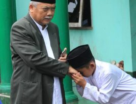 Guru Itu Dimuliakan, Bukan Untuk Dilecehkan