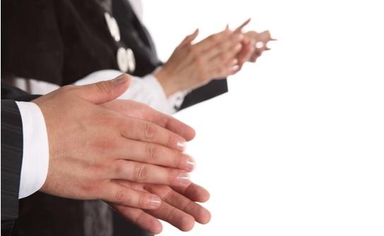 Tepuk Tangan Kok Dikomando