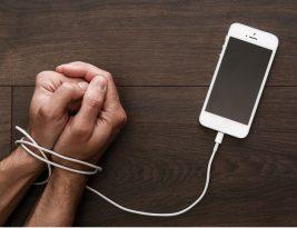 Smartphone Membentuk Kebiasaan
