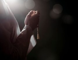 Salah Menyusun Kata Dalam Berdoa itu Berbahaya